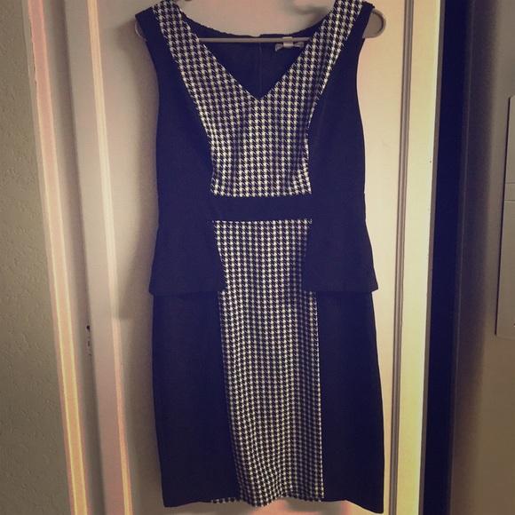 Dresses & Skirts - New York & Co Black Sleeveless Dress 8